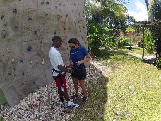 Sandals Ochi Beach Resort : Rock Wall Area