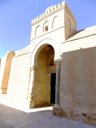 Grande Mosquée de Kairouan : entrance door