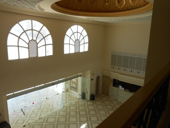 Isis Hotel Thalasso and Spa: le hall vu du deuxième étage