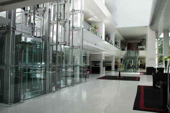 Sheraton Porto Hotel & Spa: lobby