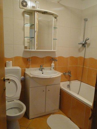 A&A Accommodation: Bath