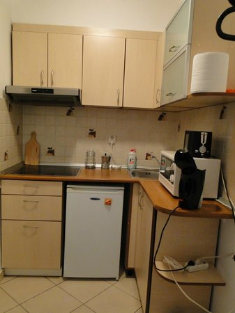 A&A Accommodation: The kitchen