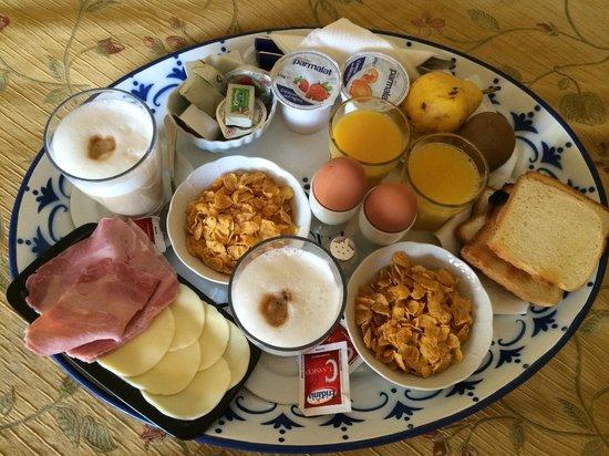 Suite Oriani: delicious breakfast
