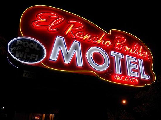 El Rancho Boulder Motel : El Rancho Boulder Neon Sign