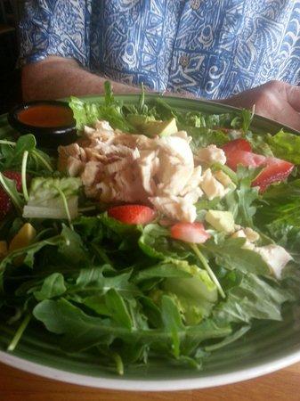 Strawberry and avocado salad at Applebee's