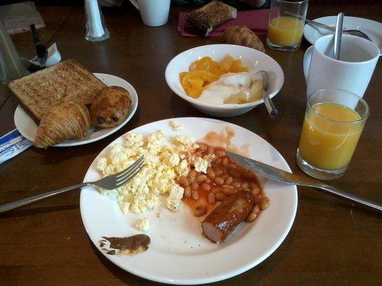 Jurys Inn Plymouth: Petit déjeuner anglais