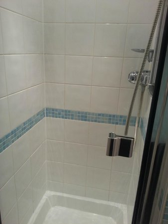 De Vere Horsley Estate: shower, no bath in room 28