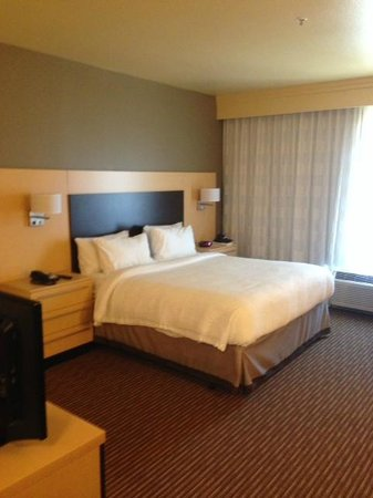 TownePlace Suites Dallas DFW Airport North/Grapevine: king bed