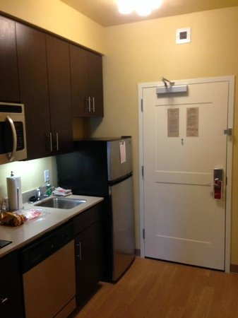 TownePlace Suites Dallas DFW Airport North/Grapevine: nice kitchen area