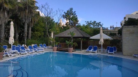 Maritim Antonine Hotel & Spa : zwembad beneden