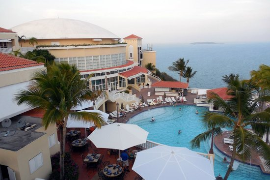 El Conquistador Resort, A Waldorf Astoria Resort: Hotel/Pool/Ocean