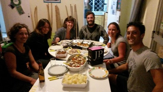 Carcavelos Surf Hostel: Delicious dinner altogether! :)