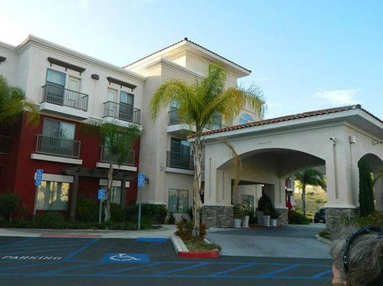 Holiday Inn Express Hotel & Suites Lake Elsinore: A great place to stay in Lake Elsinore
