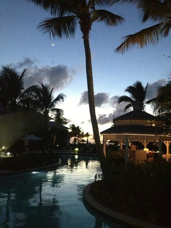 Ocean Club Resort : sunset from pool area
