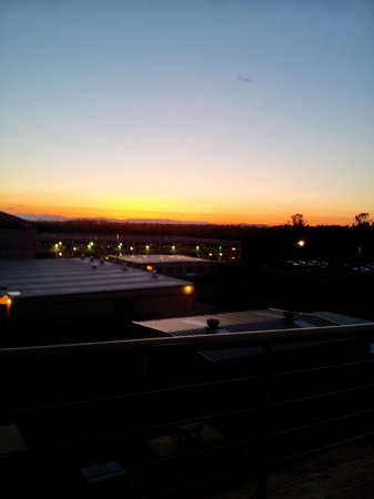 The Lodge at Feather Falls Casino : Sunset over the valley!
