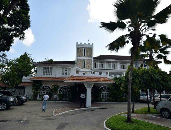 Protea Hotel by Marriott Dar es Salaam Courtyard: Protea Courtyard Dar - Facade