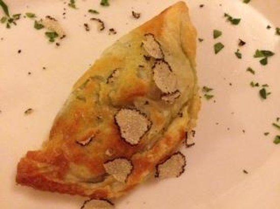 La Taverna di San Giuseppe: feuilleté épinard truffe blanche fait maison
