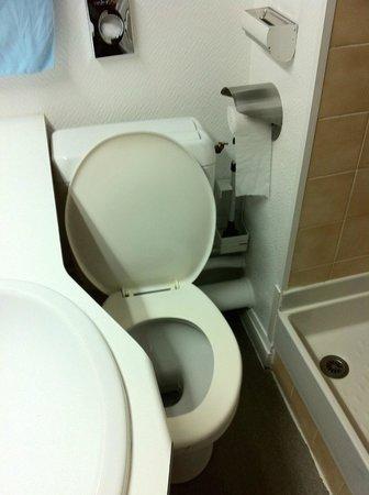 Hotel Abalys : Toilettes pour contorsionniste