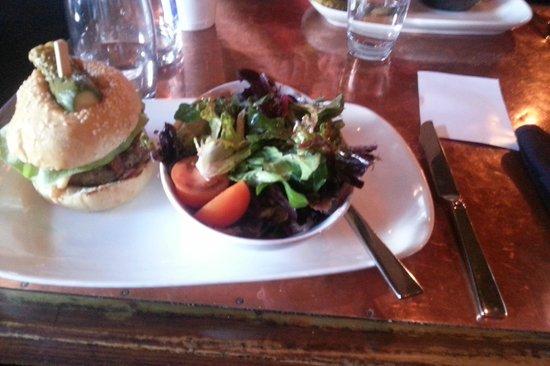 NOtaBLE - The Restaurant: NOtaBLE Burger