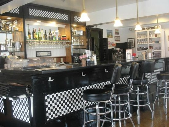 Amore Breakfast : Counter Seating