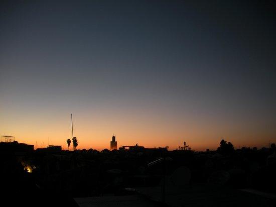 Dar Asdika: tramonto dalla terrazza