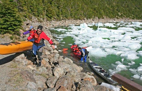 Agunsa Patagonia: Kayakers just leaving