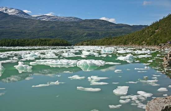Agunsa Patagonia: Looking back towards the Rio Serrano
