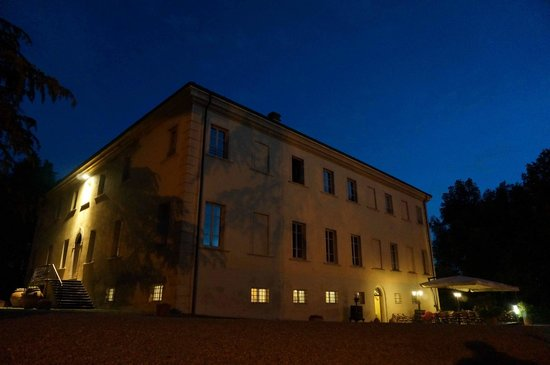 Borgo Di Colleoli Resort Tuscany: Restaurant, salle réception, suites