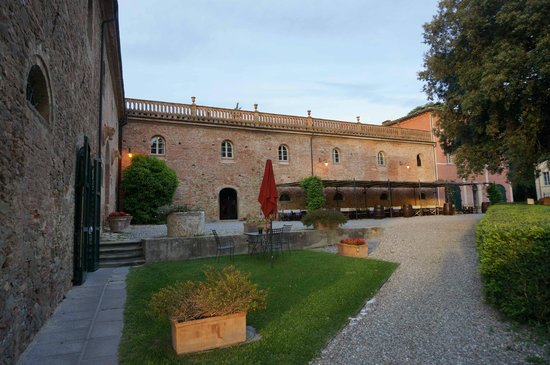 Borgo Di Colleoli Resort Tuscany: Batiment Restauration