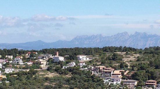 Spanish Trails Day Tours and Events : View of the Penedes Region