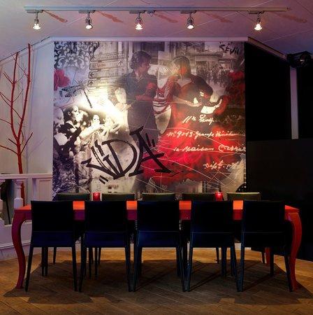La Vida Tapas: Vårt hyggelige røde bord