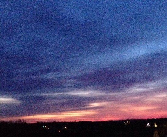 Berlin Grande Hotel : Morning sunrise over the valley.