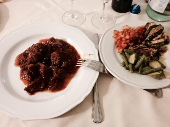 Hotel & Terme Bagni di Lucca: spezzatino di cinghiale opera della cuoca