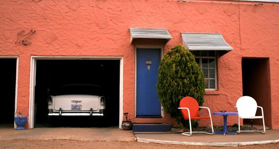 Blue Swallow Motel: Our room and car
