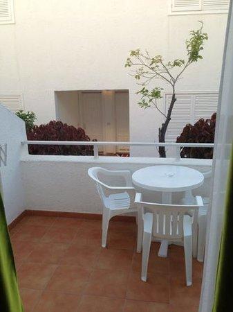 Primecomfort California: our balcony, groundfloor studio apartment
