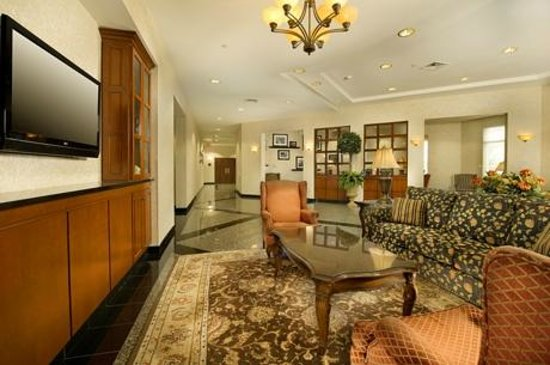 Drury Inn & Suites Middletown: Lobby