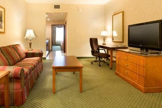 Drury Inn & Suites Middletown Franklin: Suite