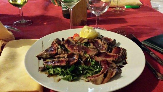 Athena Ristorante Pizzeria: Tagliata di tonno rosso