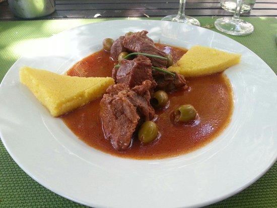 Le Jardin de l'Echauguette: Le veau aux olives et polenta