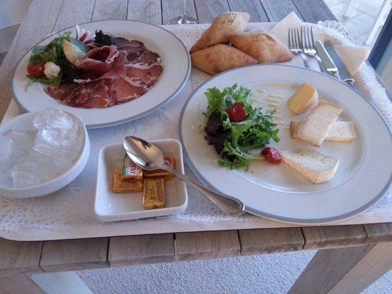 Campo Dell'Oro : Room service. Très bonne charcuterie