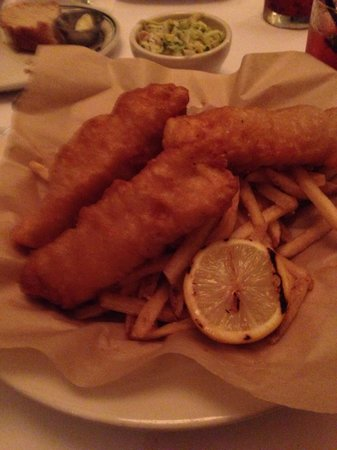Daily Grill : Fish N Chips - yum!
