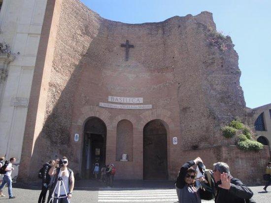 Basilica di Santa Maria degli Angeli e dei Martiri : Fachada