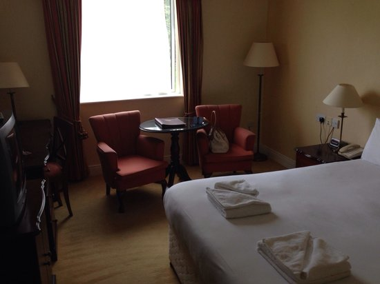 Boyne Valley Hotel & Country Club: Bedroom view