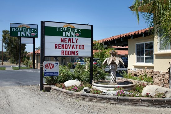 Traveler's Inn : Newly Renovated in 2013   Ask to for a room tour