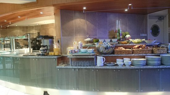 Galaxie Hotel: breakfast buffet
