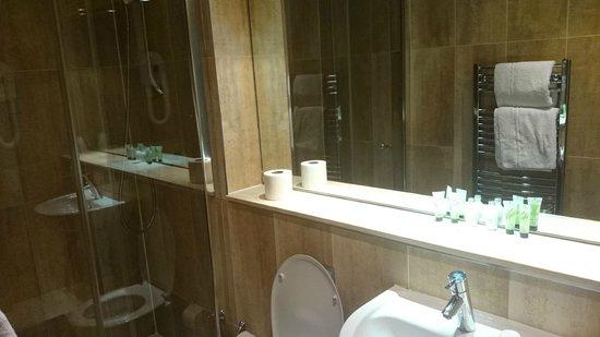 Galaxie Hotel: bathroom