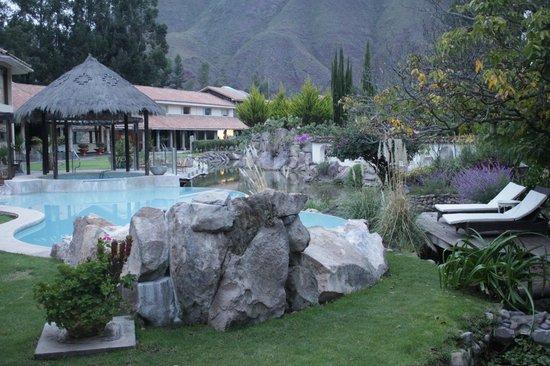 Aranwa Sacred Valley Hotel & Wellness: Piscina e montanhas