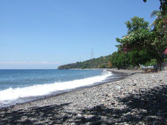 Warung Ary and Homestay: Strand in der Nähe von Warung & Home Stay Ary