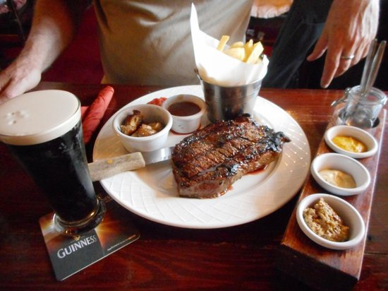 Fitzpatricks bar and restaurant: Ribeye steak