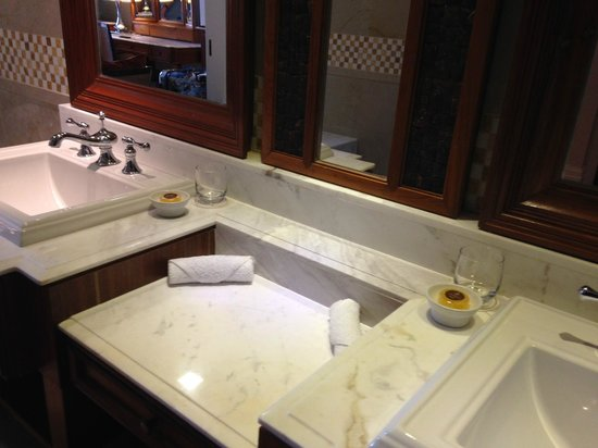The Danna Langkawi: Bathroom suit in our Grand Marchand room